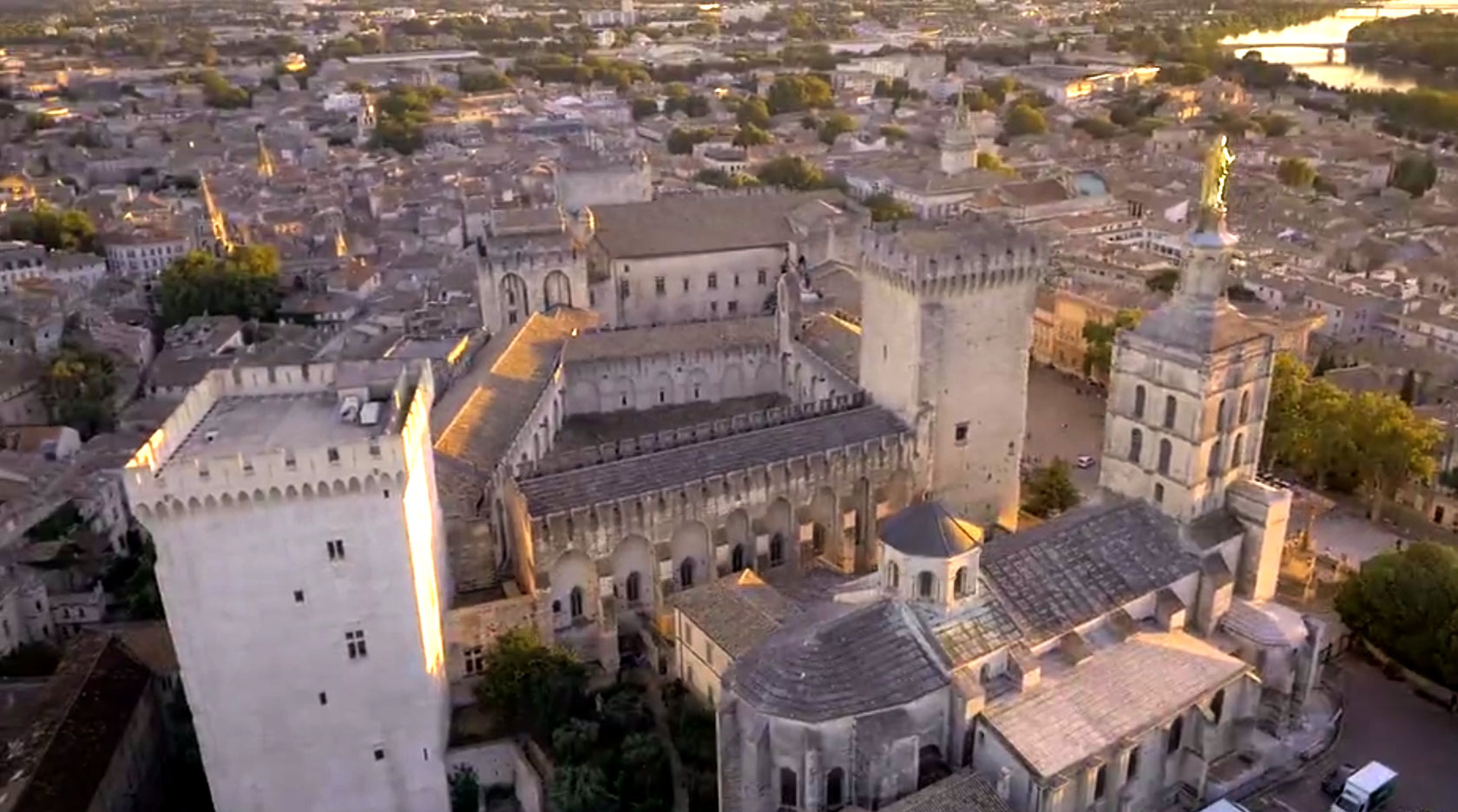 Avignon Drone Effect