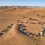 Les voitures au départ du babel raid en drone